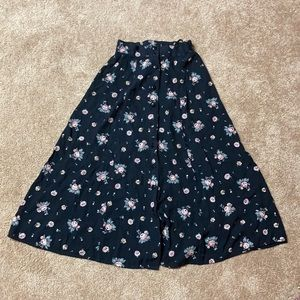 Vintage floral skirt. Size small